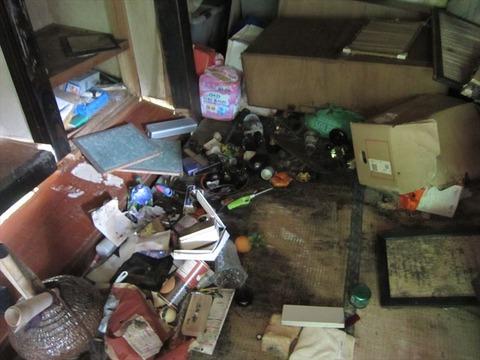 部屋の掃除2_s